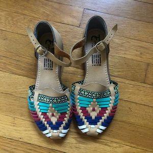 Shoes - EUC Mexican Huaraches Flats Sz 8